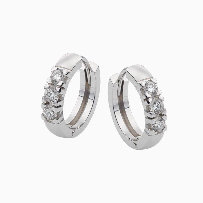 Gouden creolen met 0,60 crt. diamant