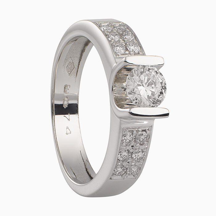 L405 exclusieve gouden ring met diamant